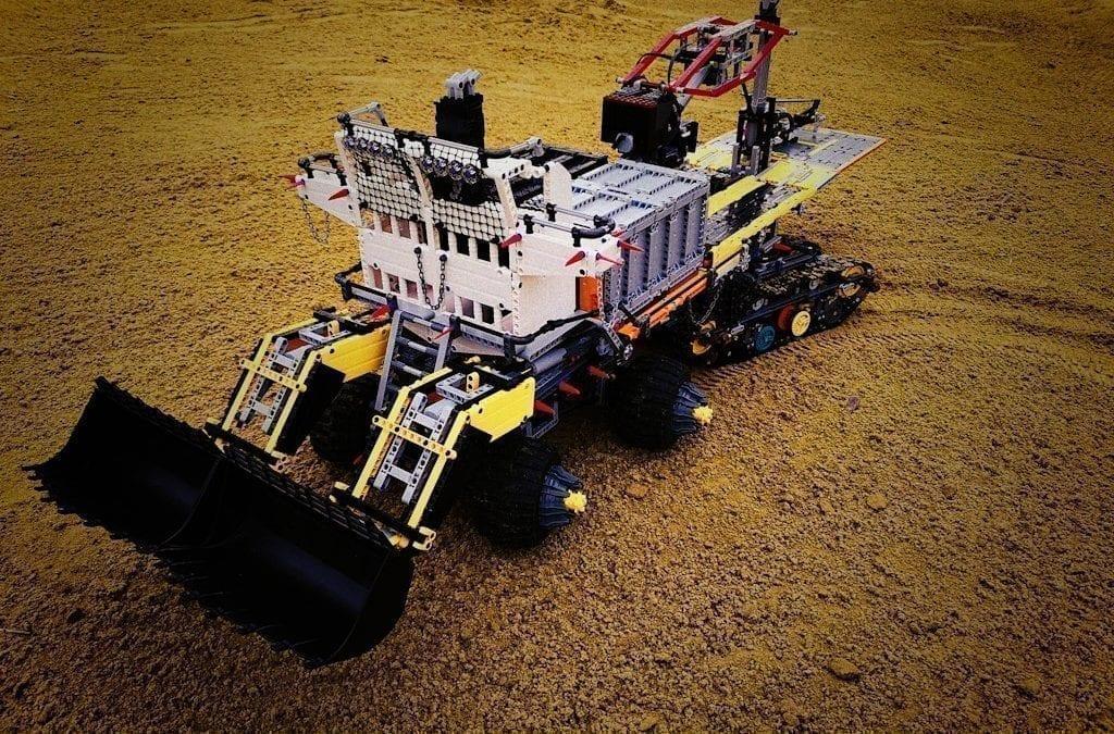 Wenn die Apokalypse kommt, hat Zerobricks Schutz für Sie: FrankenBase made of LEGO® and powered by BuWizz